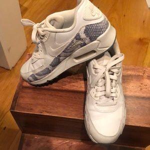 Nike Shoes - Worn once custom Nike air max snakeskin sz 6.5